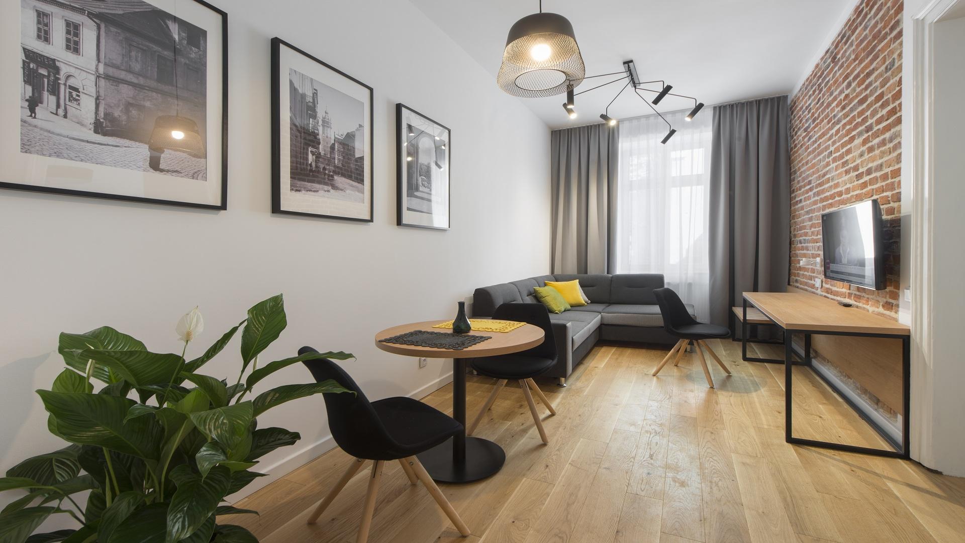 widok na część wypoczynkową w apartamencie